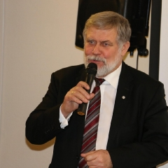 Odsłonięcie tablicy upamiętniającej prof. Leszka Kuberskiego (19.12.2016)_18